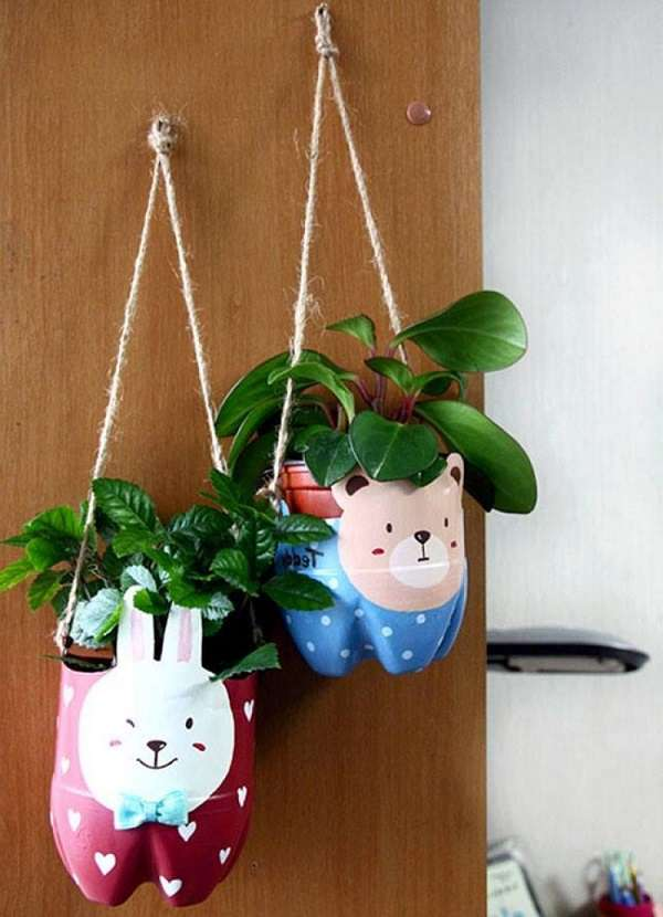 Hiasan Dinding Ruang Tamu dari Barang Bekas Bentuk Pot Bunga